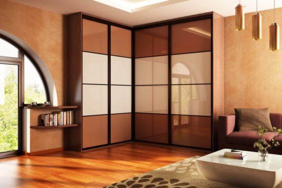 Угловой 4-х дверный шкаф-купе с комбинированными дверьми