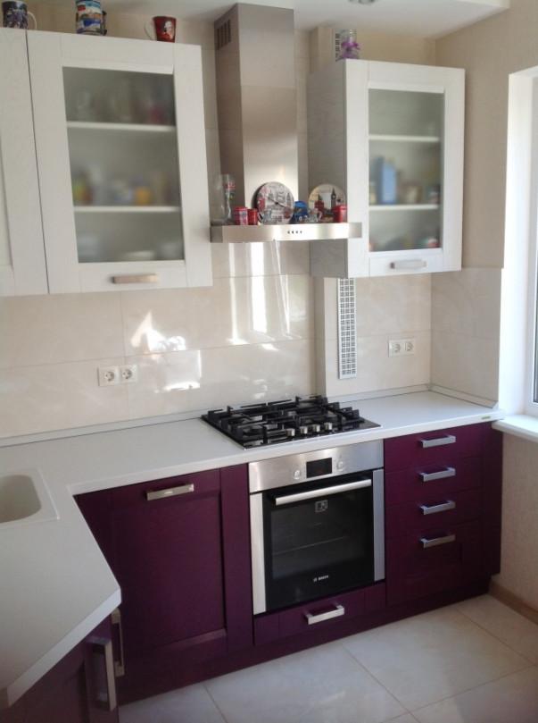 дизайн фиолетовой кухни фото