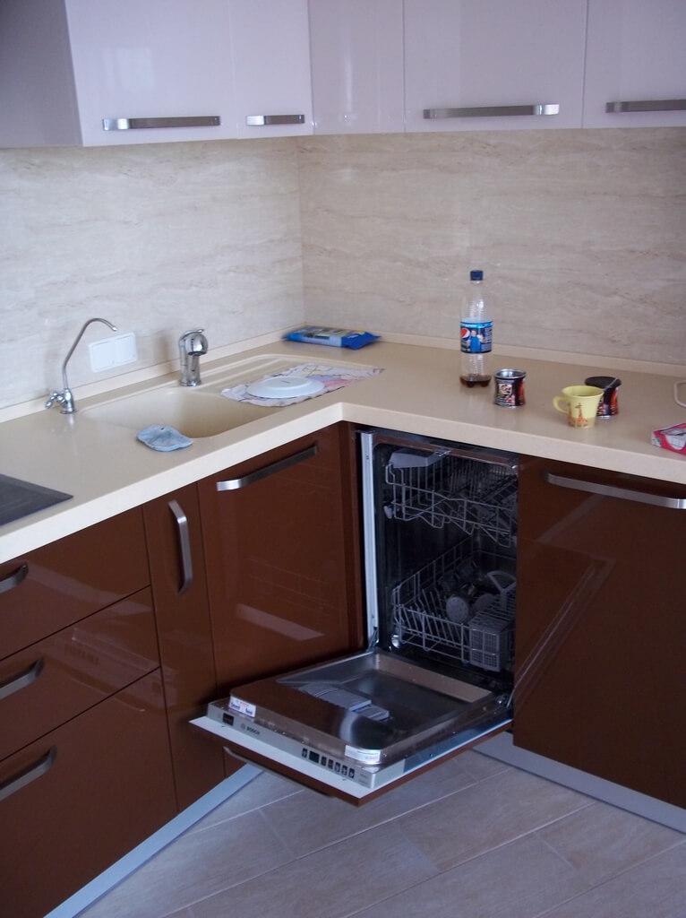 дизайн кухни в бежево коричневых тонах фото