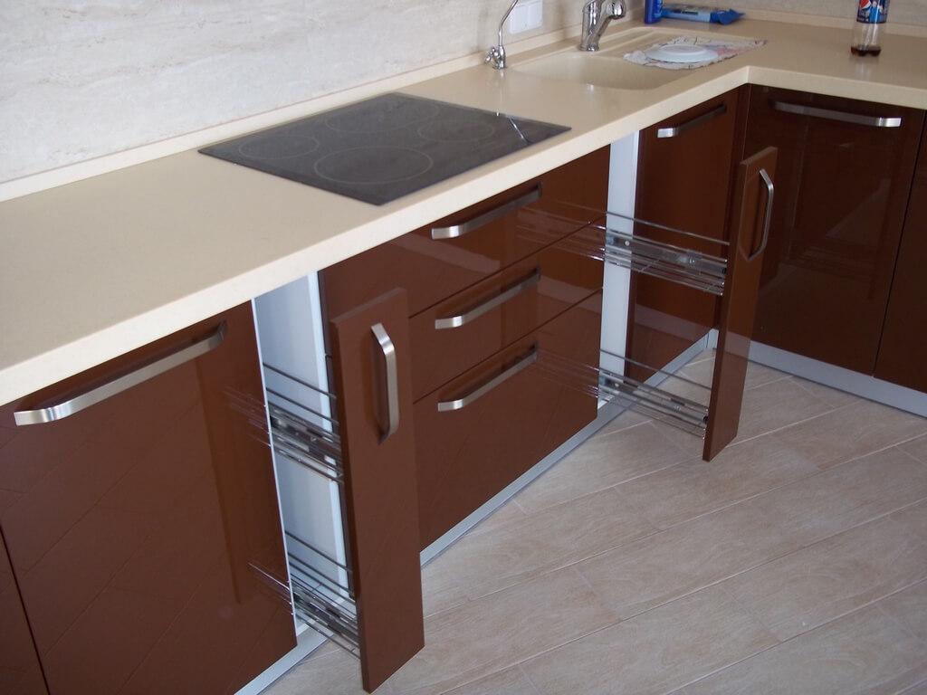 дизайн кухни в коричневых тонах фото