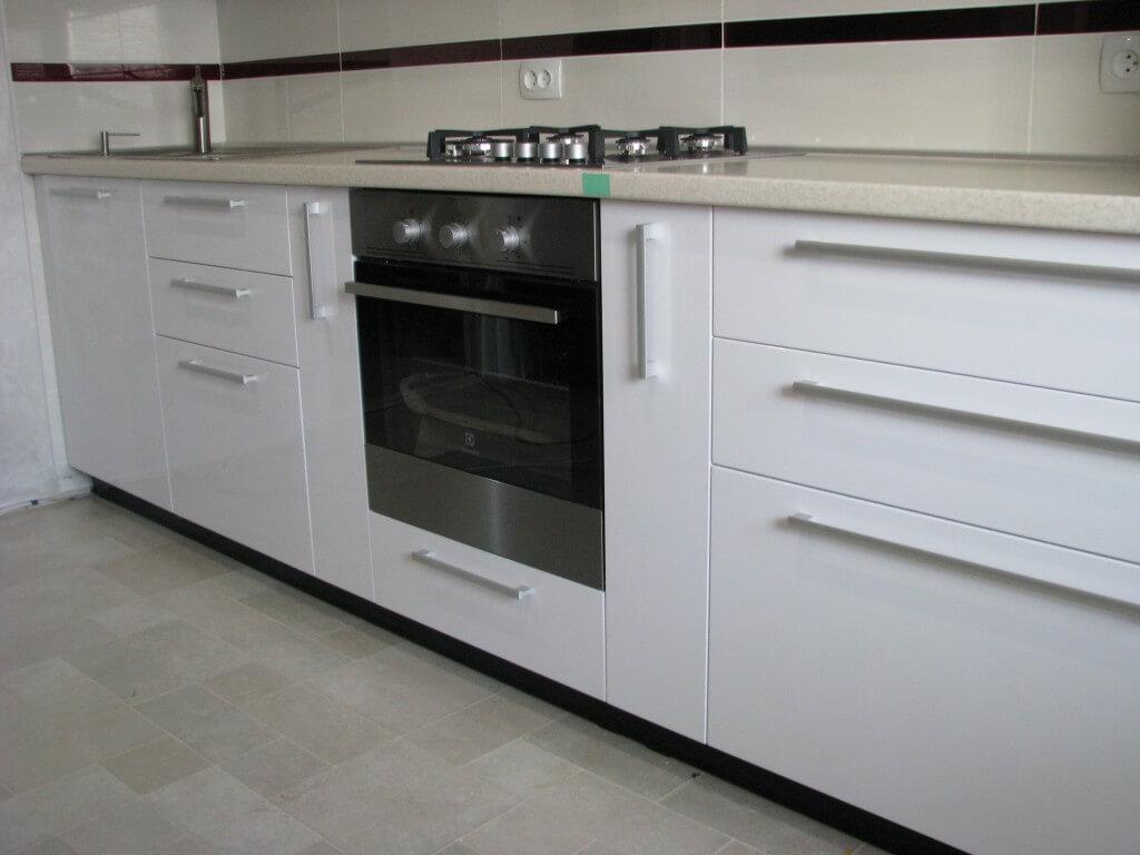 фото черно белой кухонной мебели