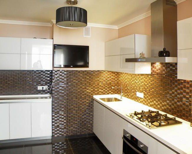Белая глянцевая кухня Людмила фото заказа № 105