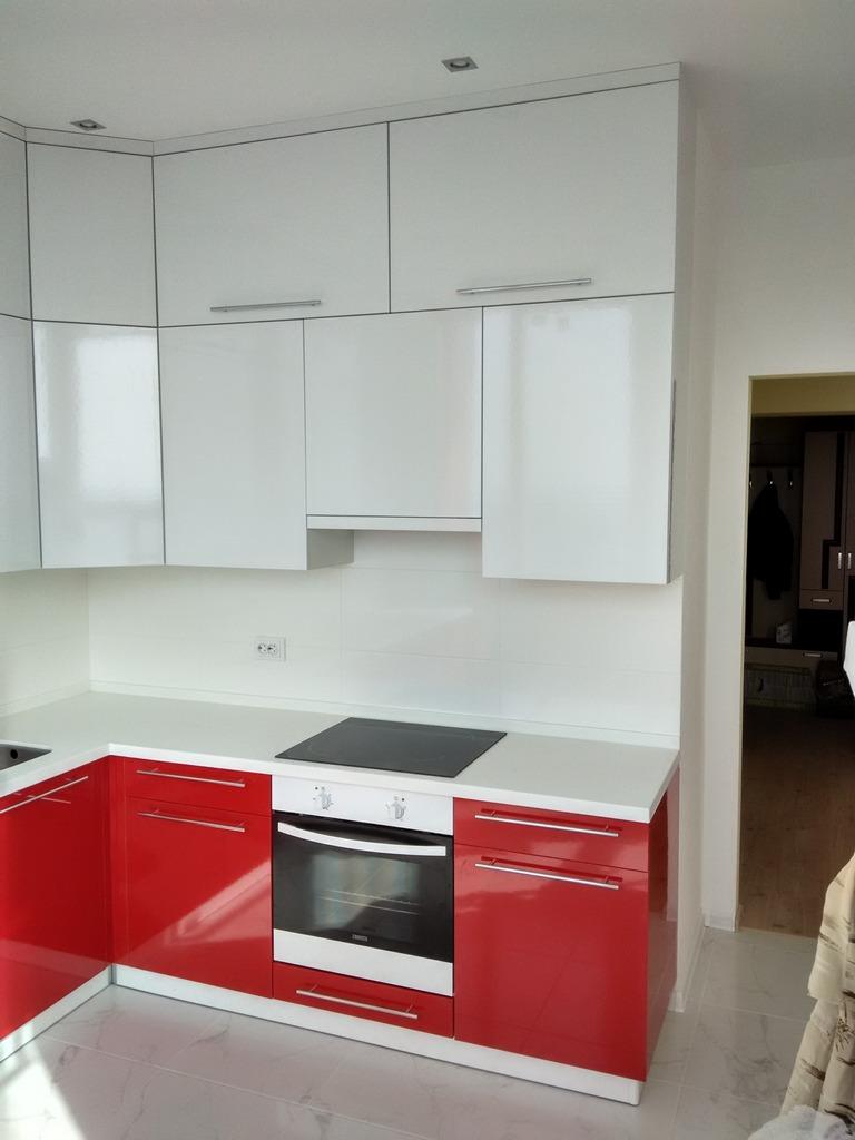 кухня бело красного цвета фото