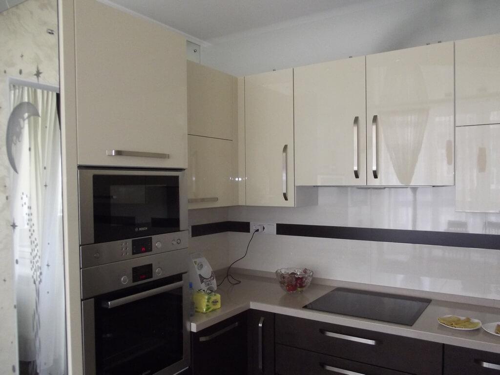 кухня цвета кофе с молоком глянец фото