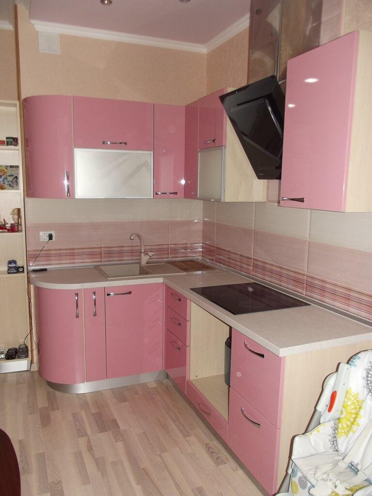 необычная розовая кухня фото