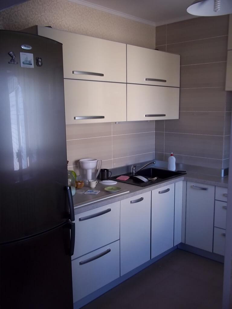 светло бежевая кухня в интерьере фото