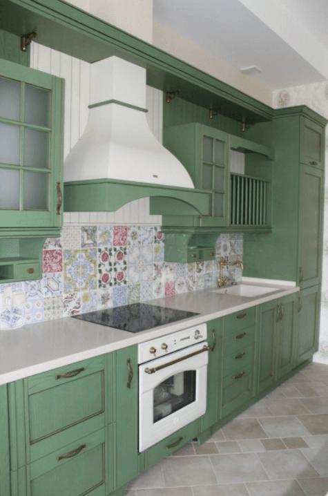 зеленая кухня прованс реальные фото