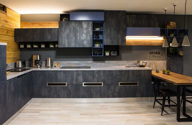 кухня из натурального камня фото