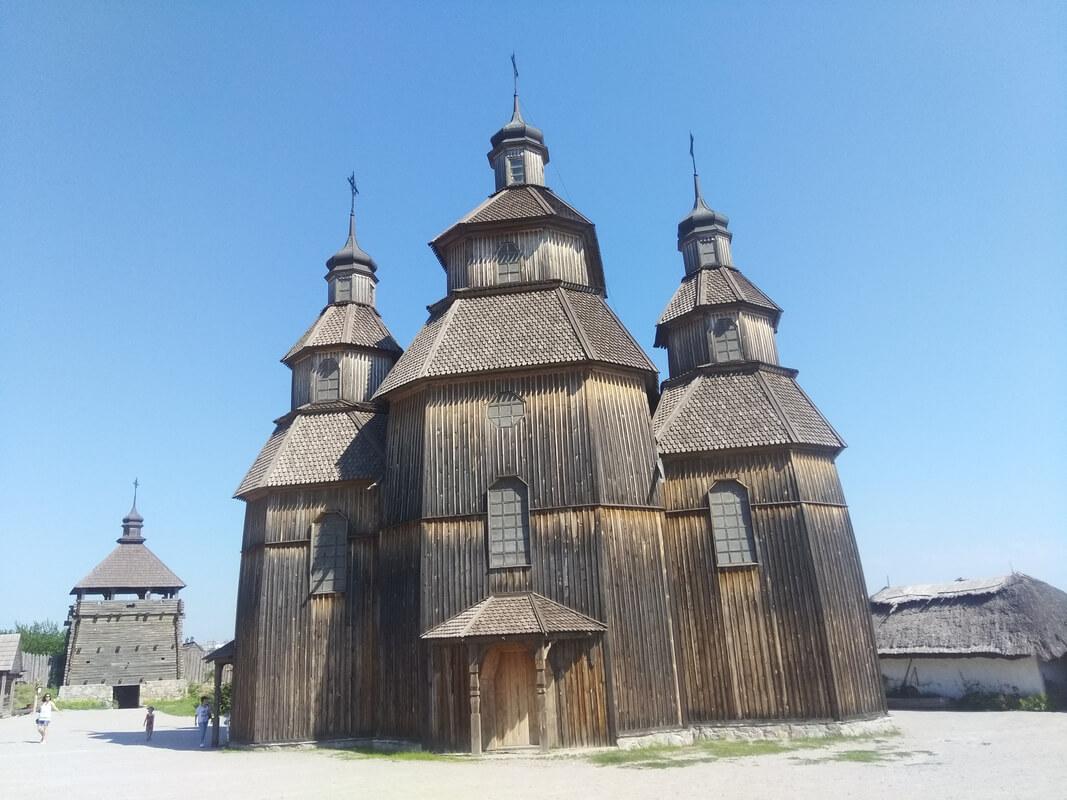 Деревянная церковь в запорожской сечи фото